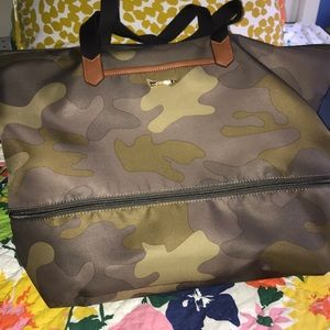 Stella and Dot travel bag camouflage